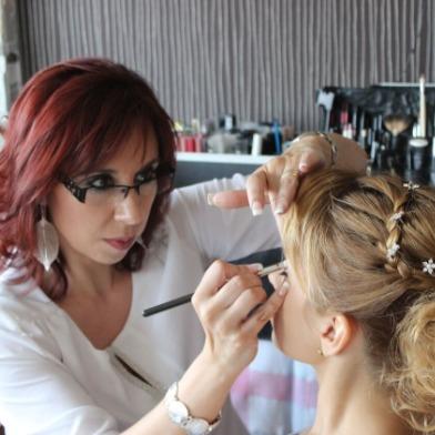 Veronica Calderon peinado maquillaje recogidos novias bodas peluquera con experiencia