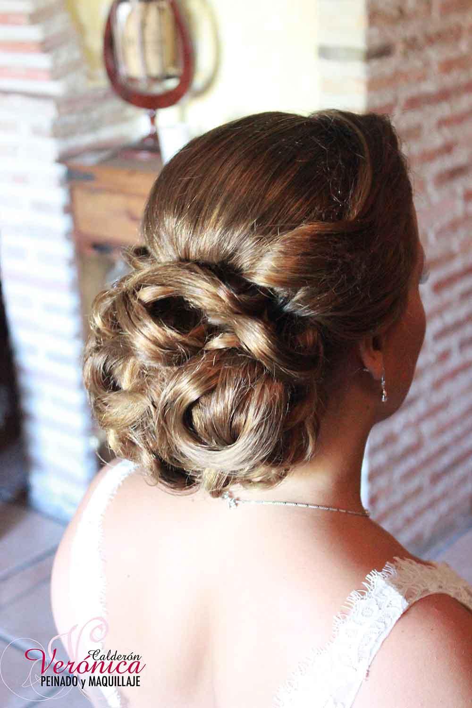 moño bajo clásico peinado maquillaje novia domicilio verónica calderón