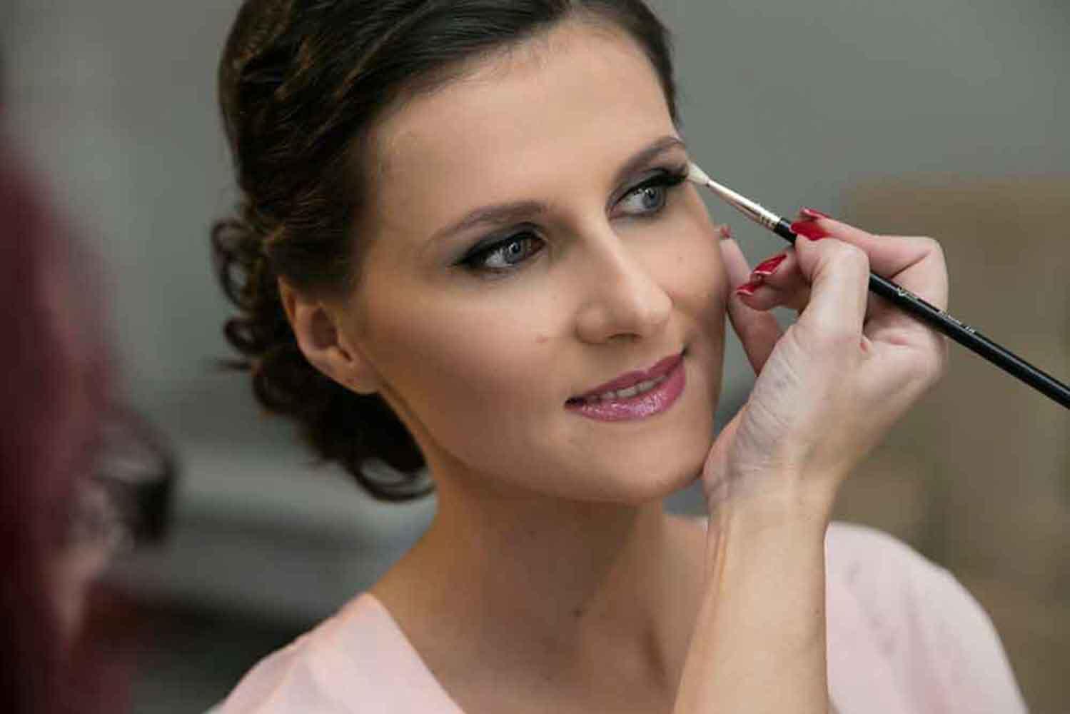 maquillaje novia ojos ahumados suave