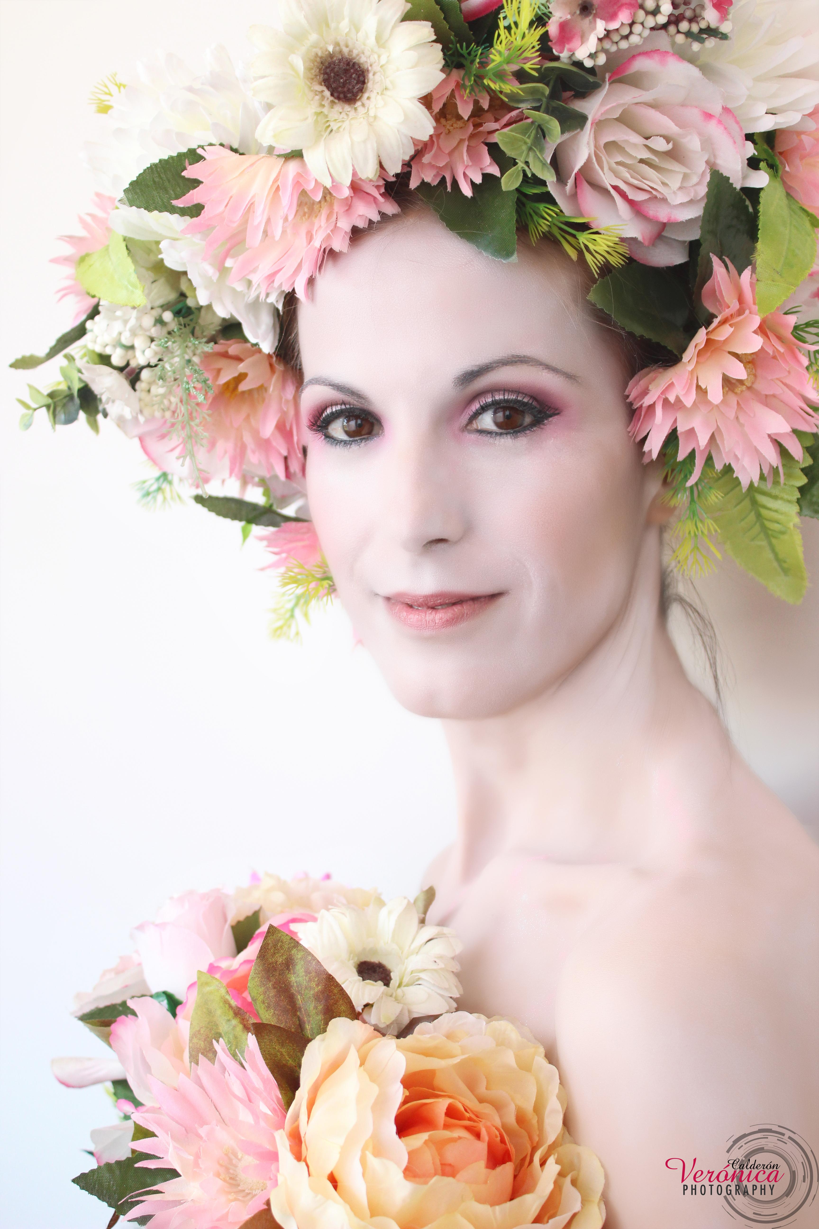 ´maquillaje fantasía piel pálida flores tonos rosas
