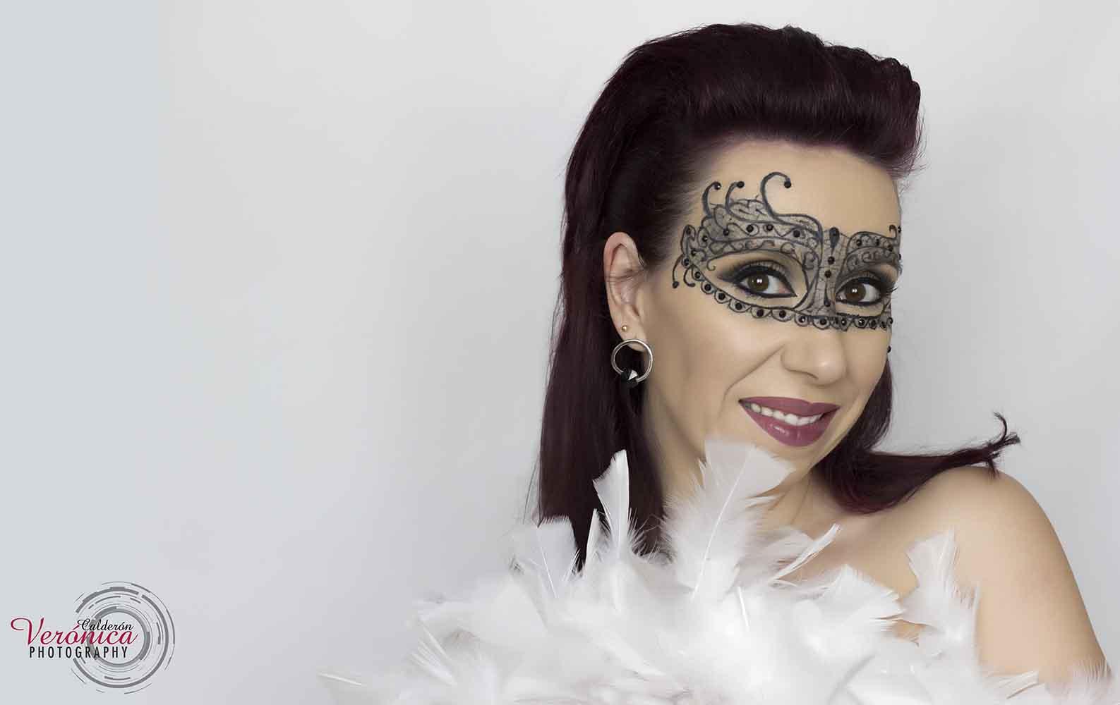 maquillaje fantasía máscara sobre piel Verónica Calderón