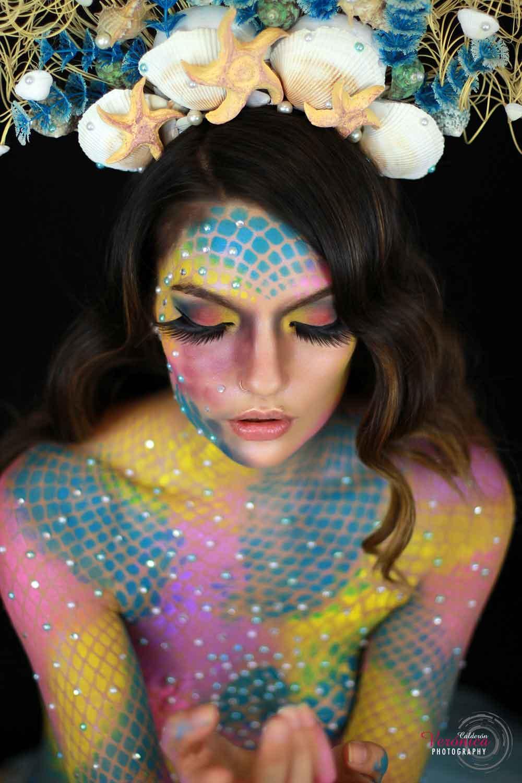 maquillaje de caracterización fantasía escamas bodypainting sirena caracterización