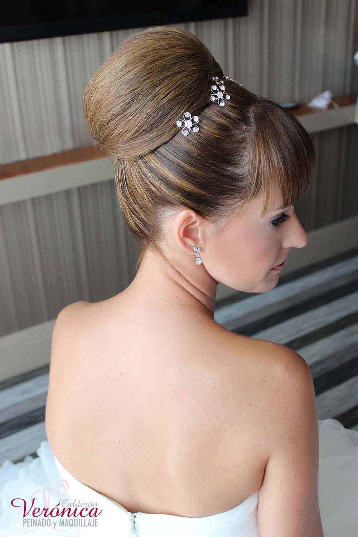peinado novia moño alto flequillo recto bodas veronica calderon domicilio