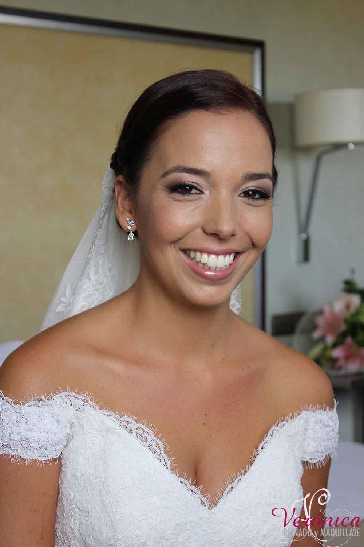 peinado novia moño bajo y maquillaje natural bodas domicilio veronica calderon