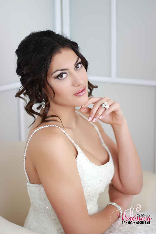 peinado novia moño bajo mechones sueltos bodas domicilio veronica calderon